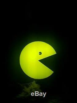 Light Up Illuminated Amusement Arcade video games Pac-man pac man shop sign